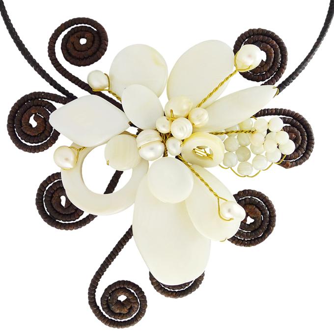 Колье Цветок из натуральных камней — перламутр, натуральный жемчуг. Филиппины оригинал (B-005)